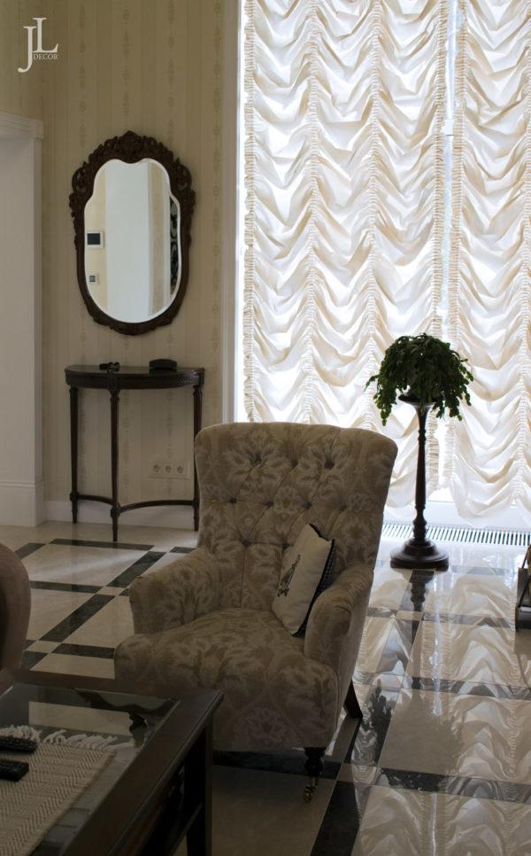 Французские шторы в доме