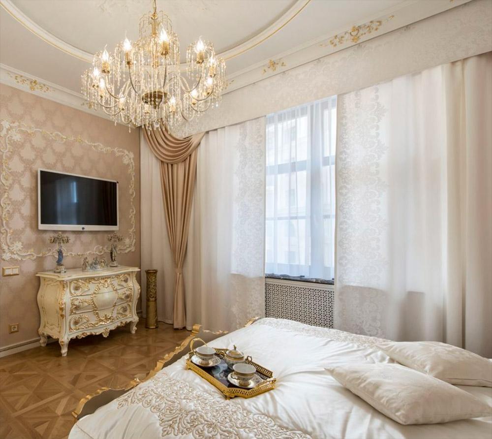 шторы в классическую спальню