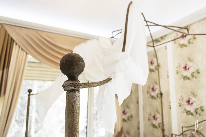 Балдахин в спальне прованс