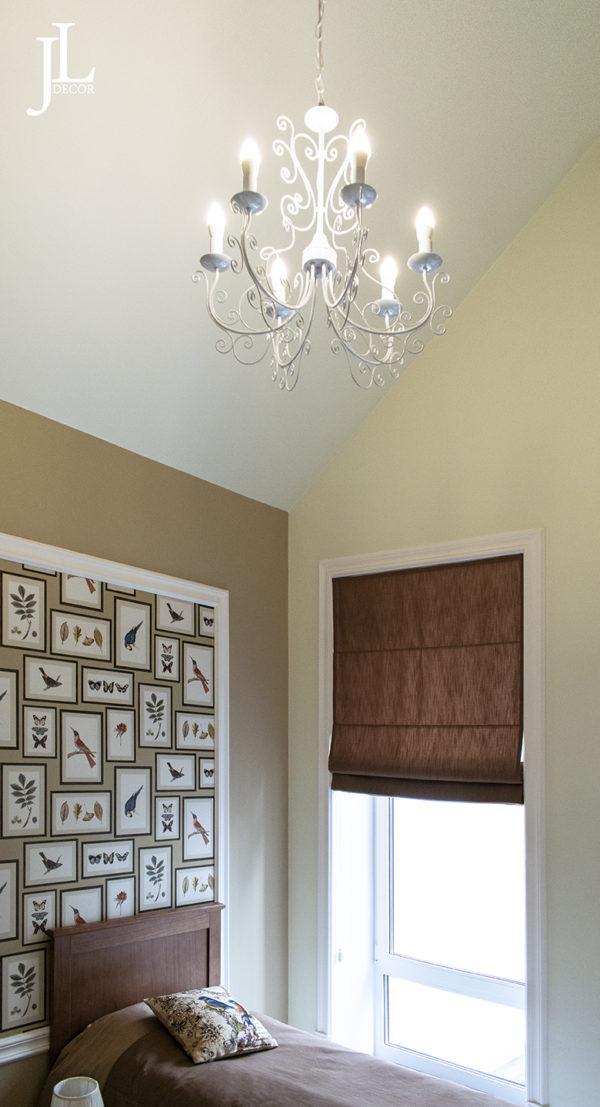 Римские шторы в комнате для гостей