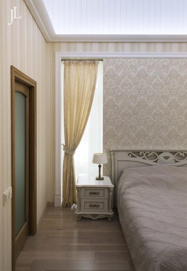 Жаккардовые шторы в уютной спальне.