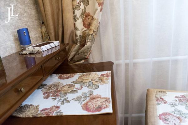 Текстиль для классической спальни.