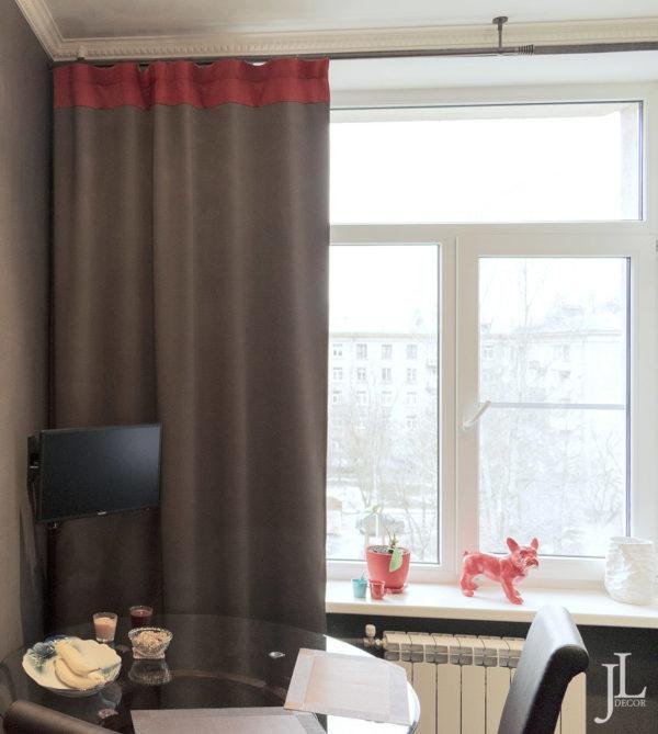 Плотные шторы для кухни.