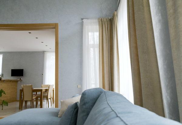 Современный дизайн штор для гостиной.