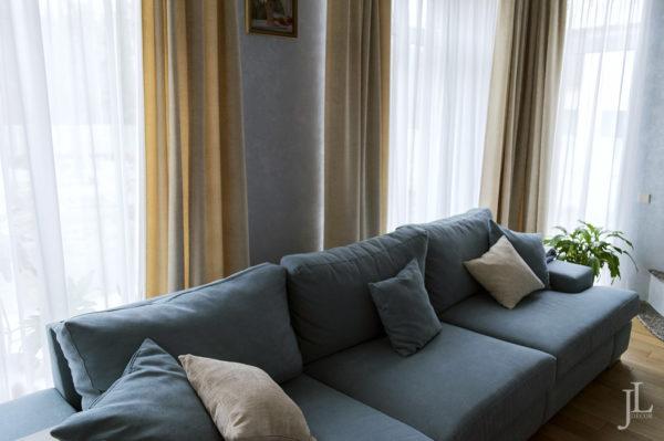 Дизайн штор для большой гостиной.