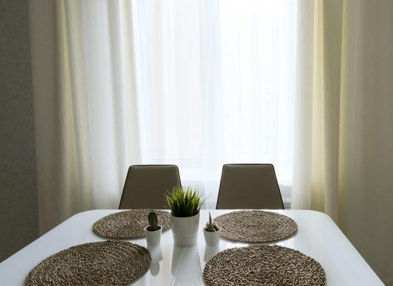Шторы минимализм в кухне.