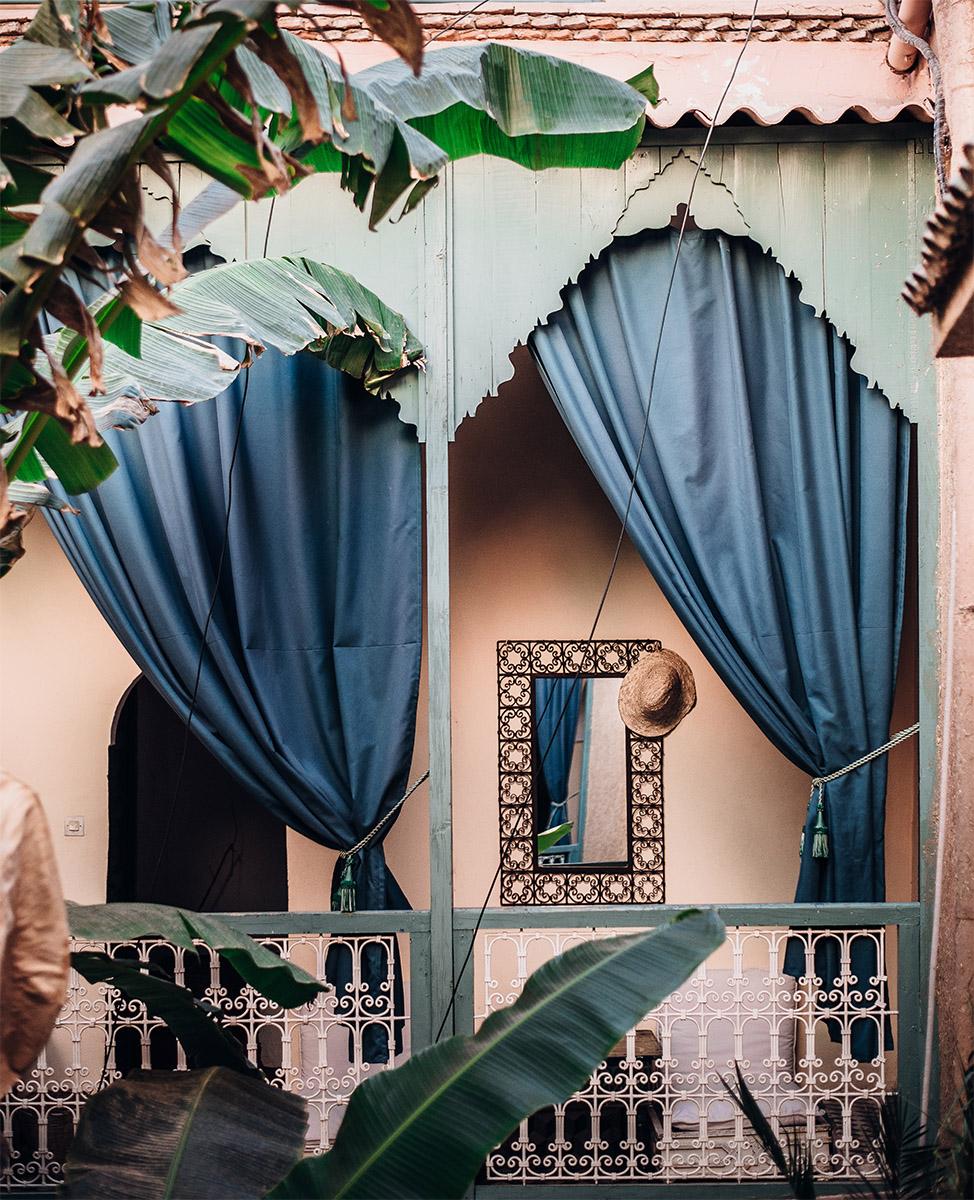 Уличные шторы на веранде