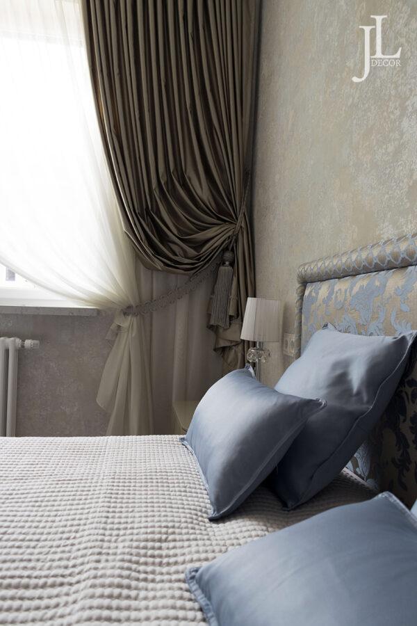 Классические шторы в интерьере. Фото.