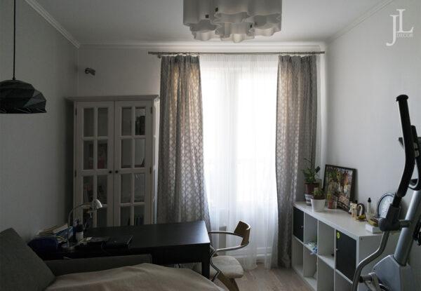 Красивые шторы в кабинете