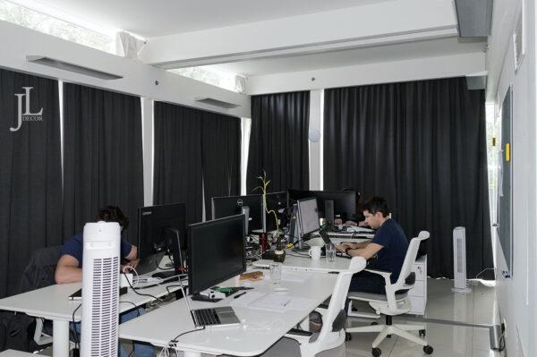 Шторы для офиса компании