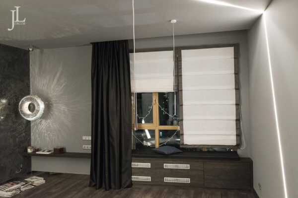 Чёрные шторы в современном интерьере